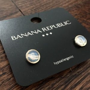 Banana Republic iridescent stud earrings